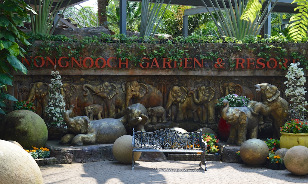 Nong Nooch Tropical Botanical Garden Sign