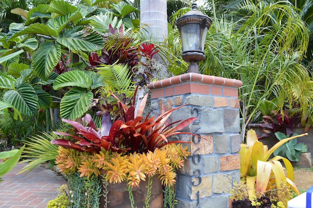 Nesheiwat Garden Address Lightpost